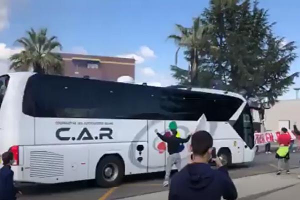 Escorte en autocar
